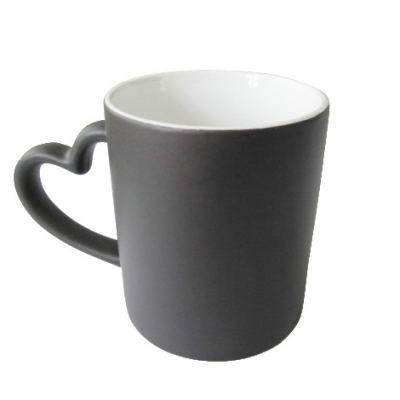 Heart Handle Color Chaning Mug-Black